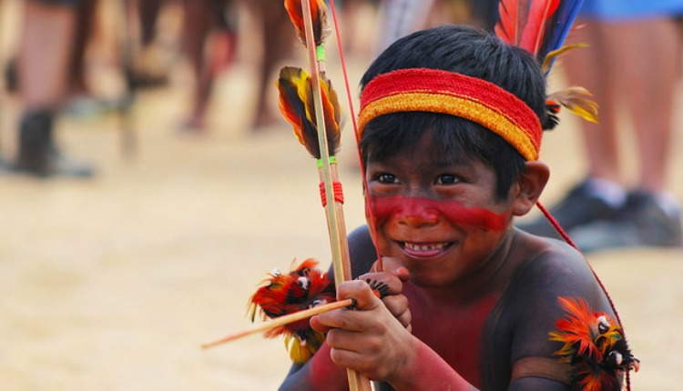 Excepcional A brincadeira e a descoberta fazem parte da formação das crianças  WG25