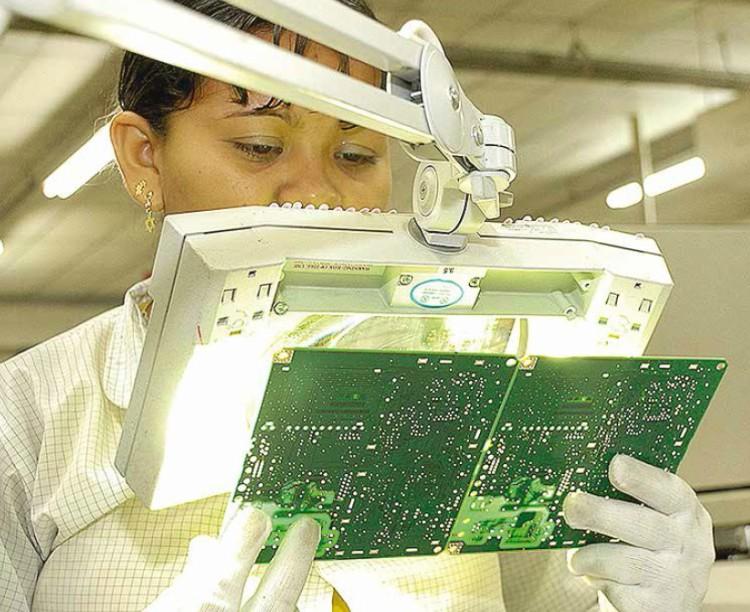 Indústria cresce em 12 locais pesquisados e tem melhor resultado desde 2010
